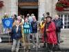 Die Elsaäser vor dem Rathaus-st