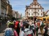 Speyer Aufbruch der Pilger durch die Hauptstraße (Foto: Franz Kasper)